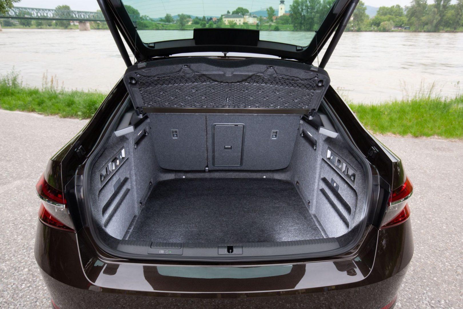 Škoda Superb prtljažnik
