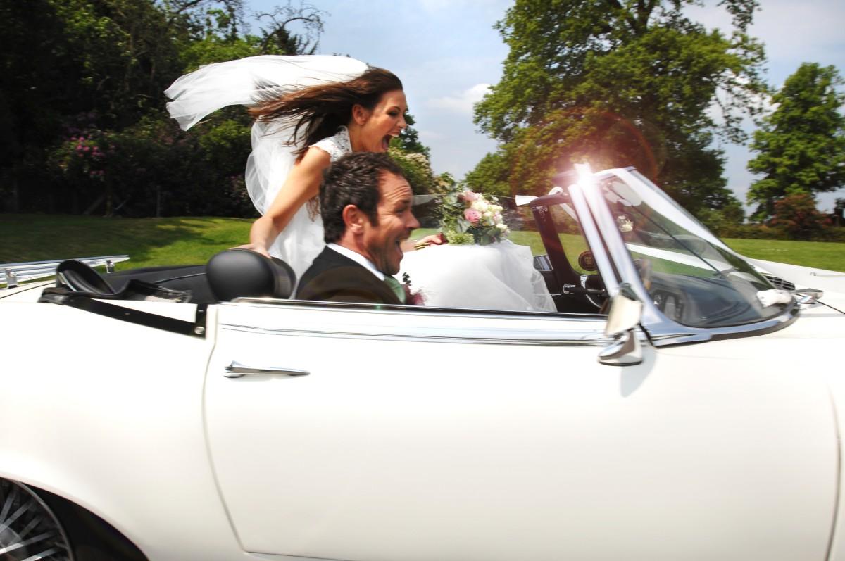 Vjenčanje iz muške perspektive: I vozili su se sretno do kraja života…