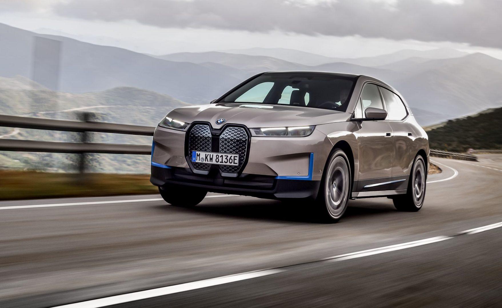 BMW predstavlja novi električni SUV iX s dosegom od preko 600 km!