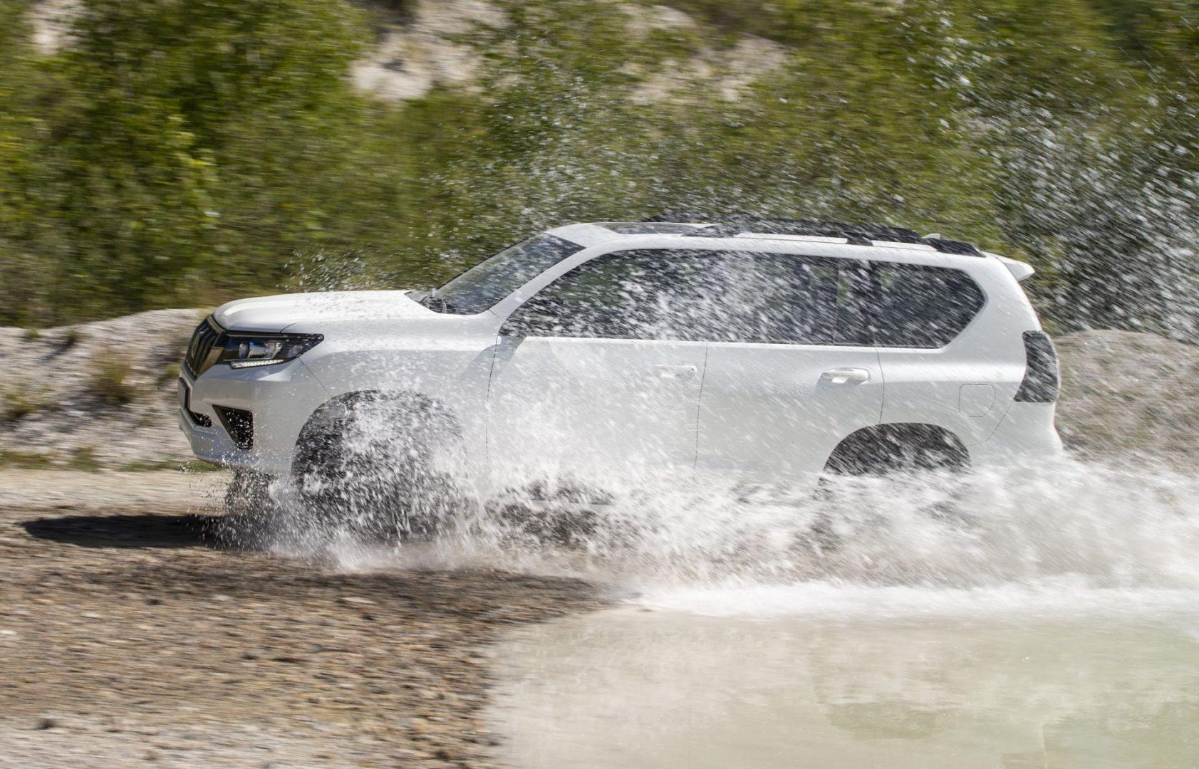 Toyota je predstavila osnaženi i tehnološki dotjerani Land Cruiser