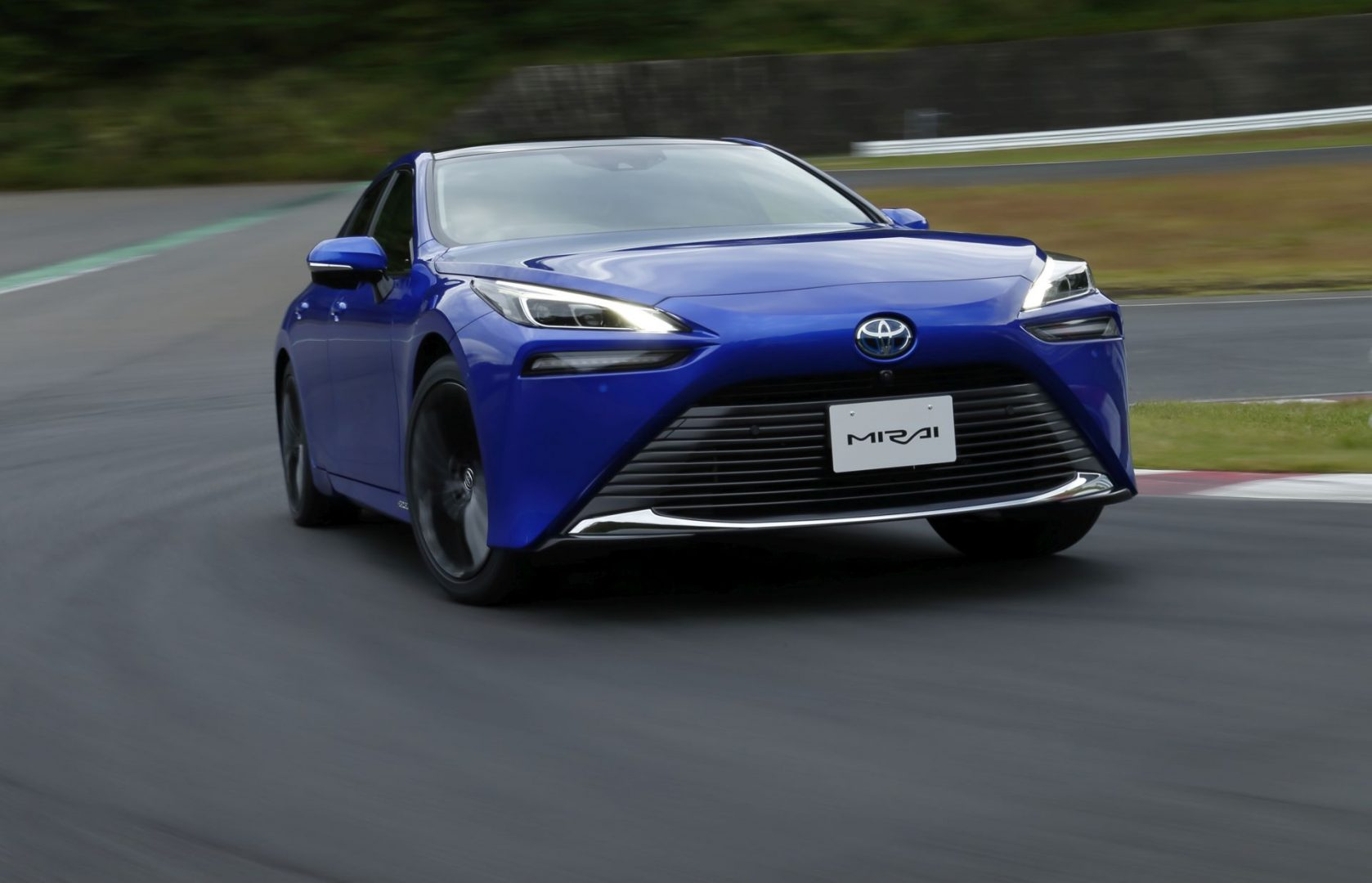 Ovo je potpuno nova Toyota Mirai s vodikovim gorivnim člancima