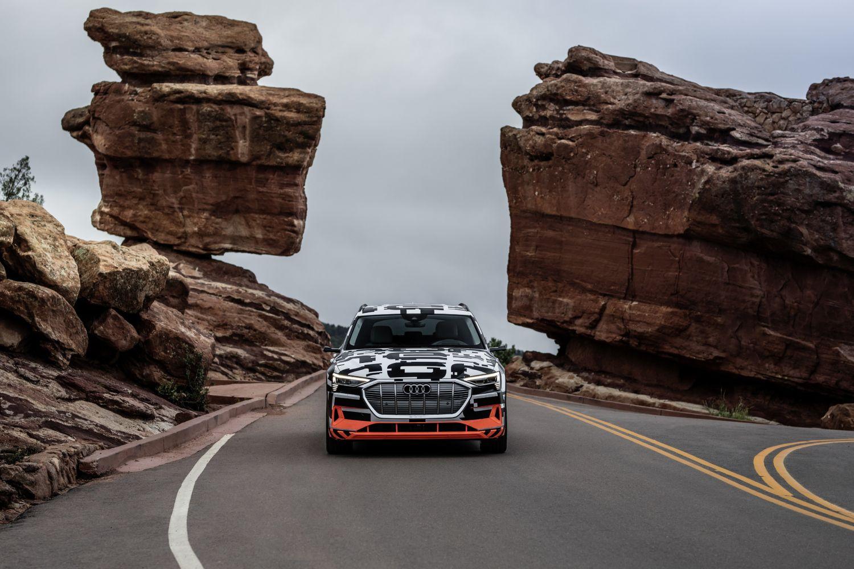 Audi e-tron prototip donosi jednu svjetsku premijeru
