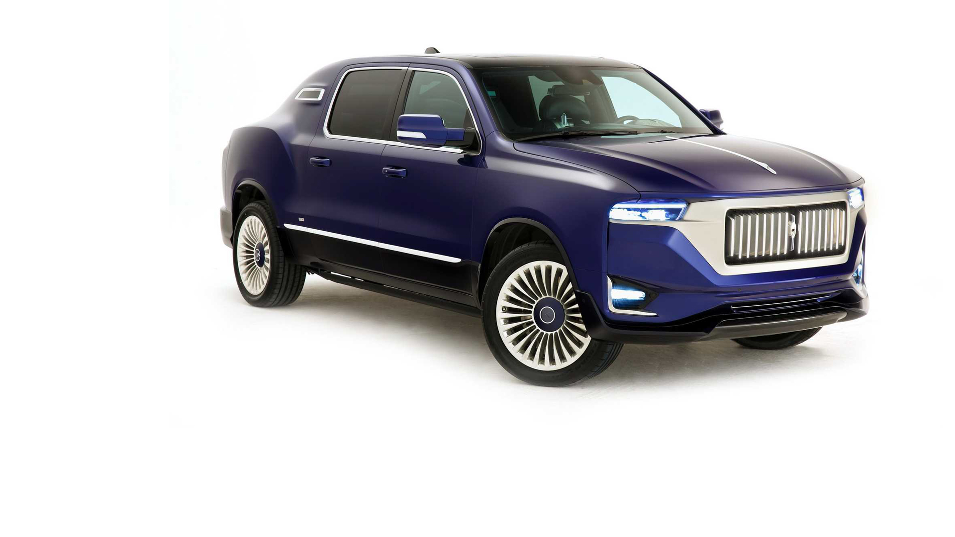Aznom Palladium je pomalo čudan spoj luksuzne limuzine i SUV vozila
