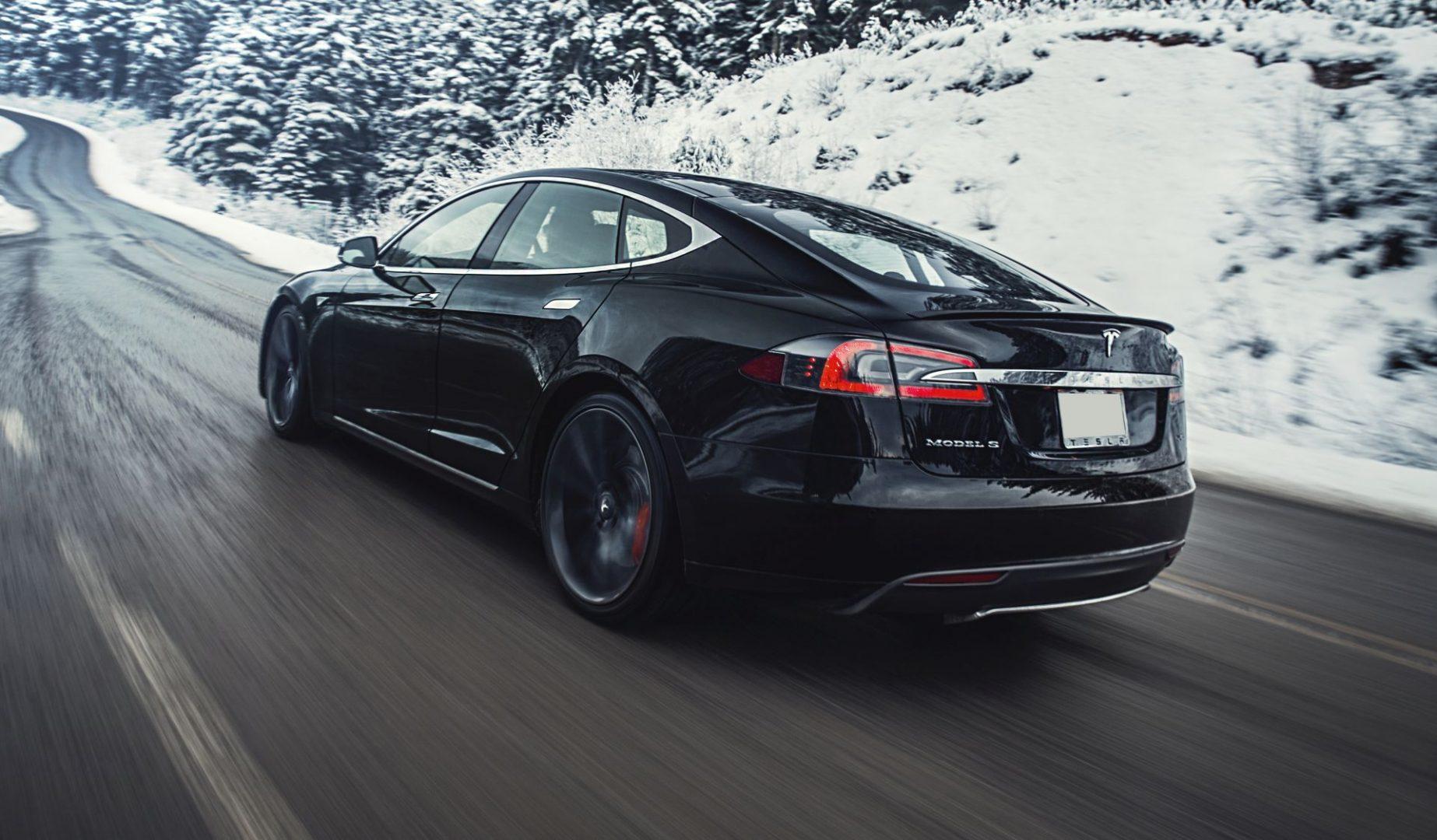 Tesla prošle godine prodala i isporučila gotovo 500.000 vozila