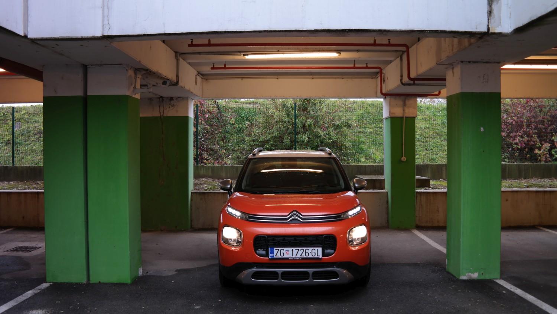 Pogledajte kako nam Citroen C3 Aircross pomaže pri parkiranju