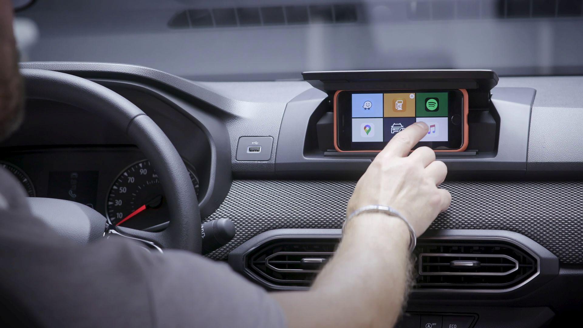 Kako funkcionira pametni telefon kao multimedijski zaslon u novom Sanderu?