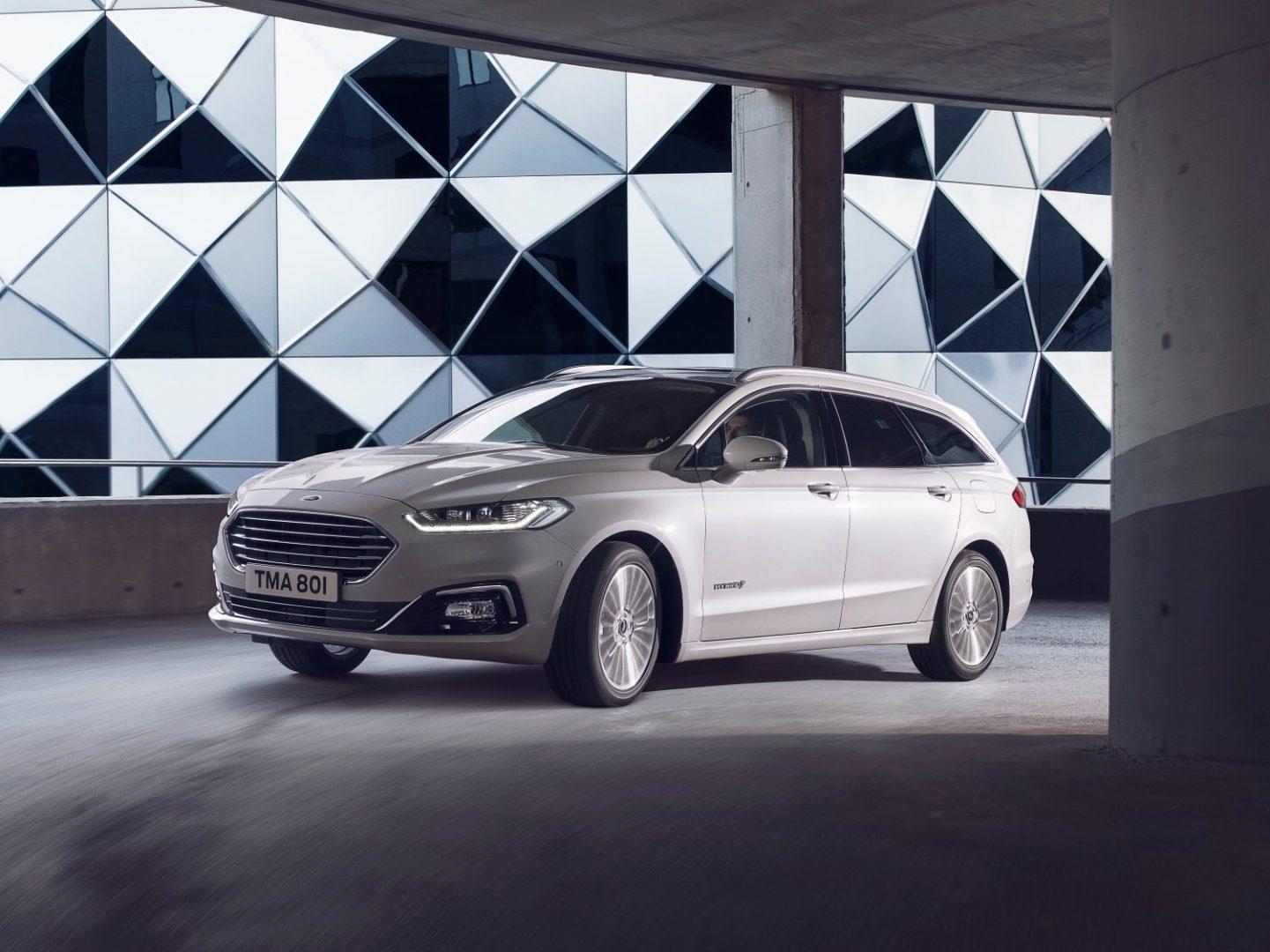 Brussels Motor Show: nova hibridna inačica Forda Mondeo