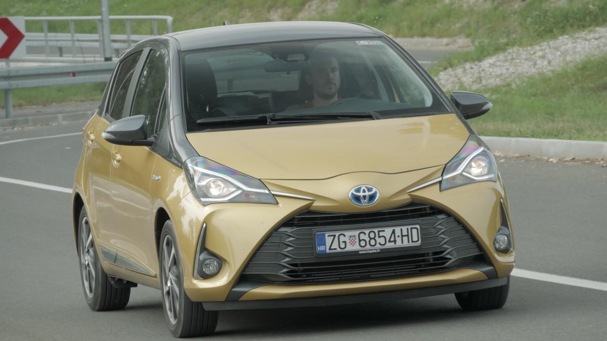 TEST Toyota Yaris 1.5 VVT-I 100 Hybrid Bi-Tone: Posveta generaciji