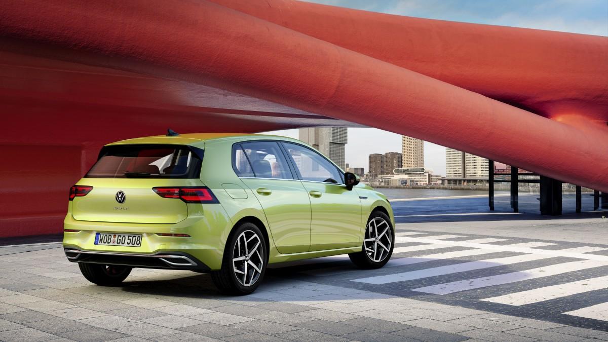 Ovo je novi Volkswagen Golf 8, bogat opremom, a stiže u prosincu