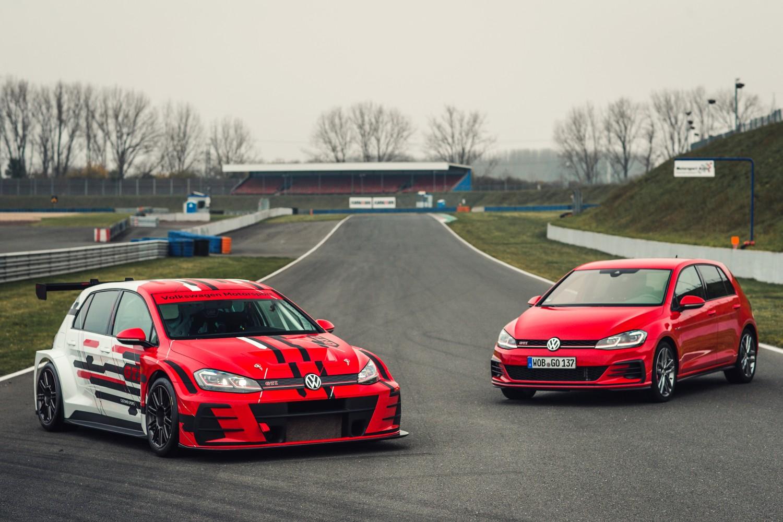 Superautomobili na Performance Car Show