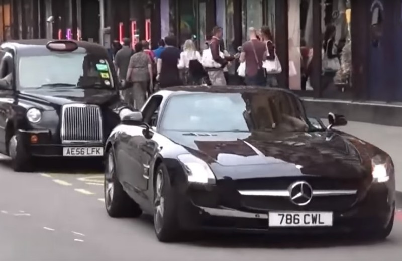 Pogledajte kako se idioti voze u Mercedesima
