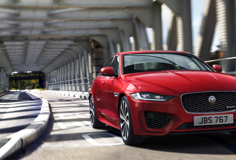 Redizajnirani Jaguar XE s potpuno novom unutrašnjošću