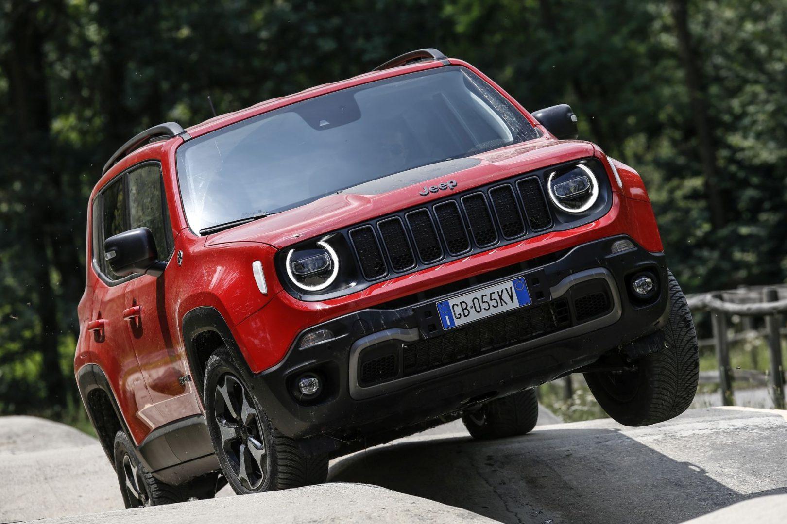 Jeep predstavio plug-in hibride Renegade 4xe i Compass 4xe