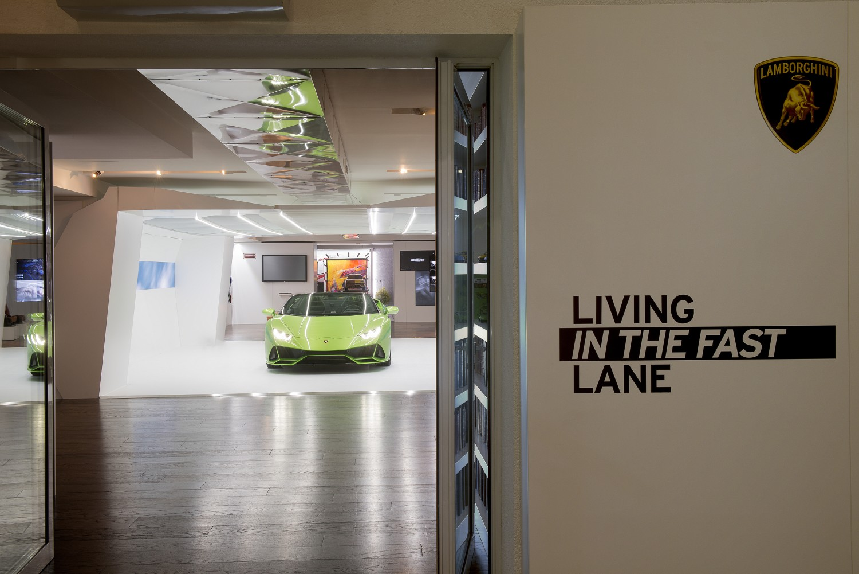 Lamborghini živi u brzoj traci