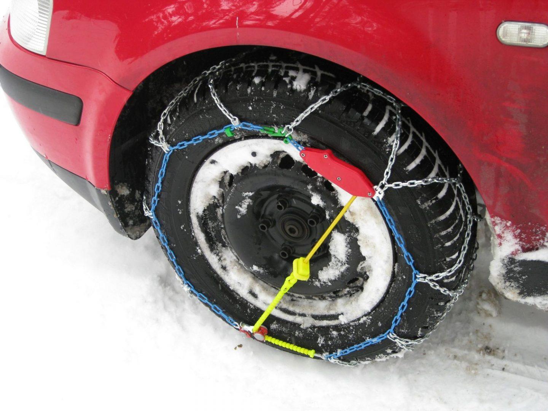 Od danas su zimske gume obavezne, ali samo na određenim dionicama