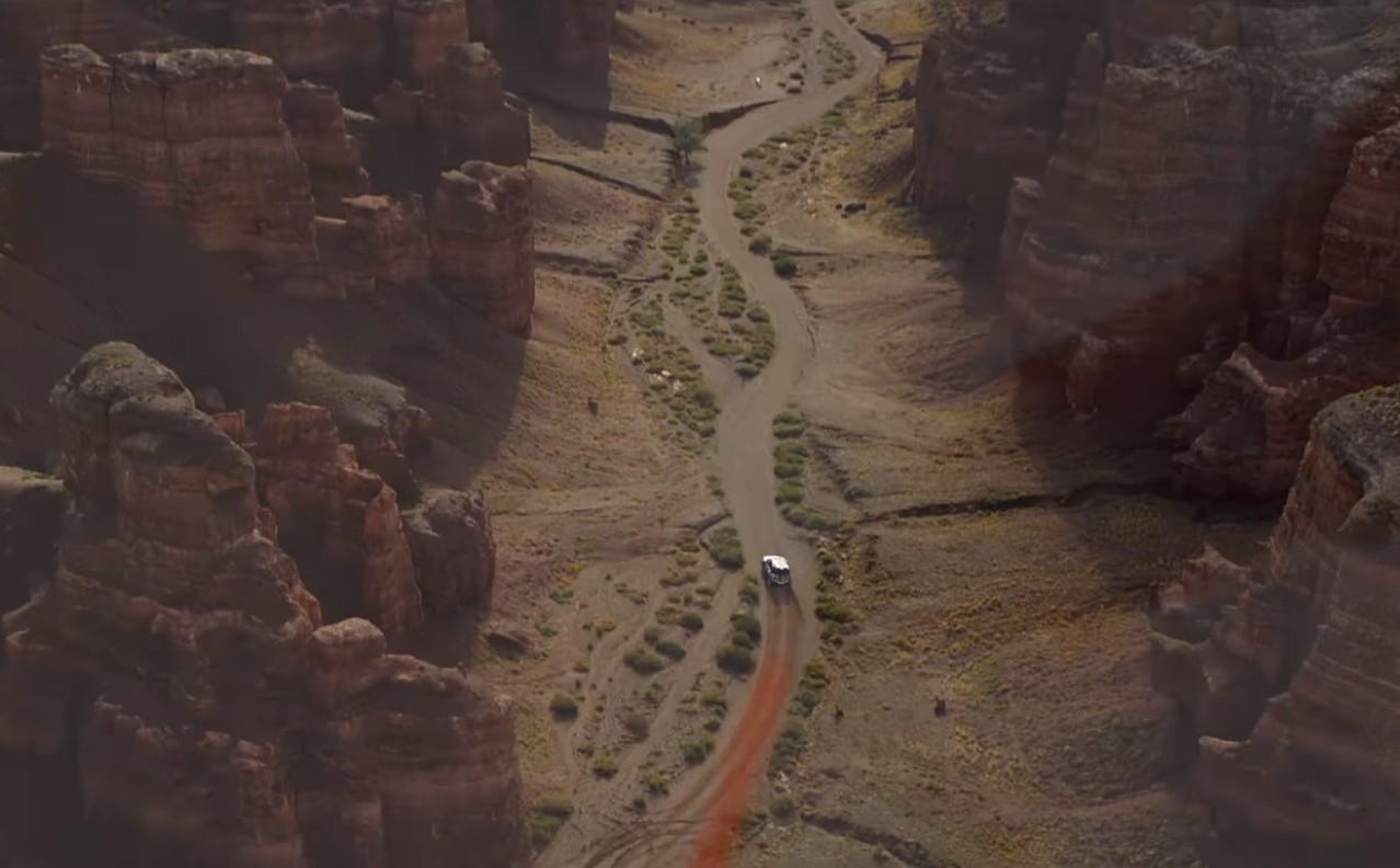 Novi Land Rover Defender kreće iz zabačene Doline dvoraca u Kazakhstanu