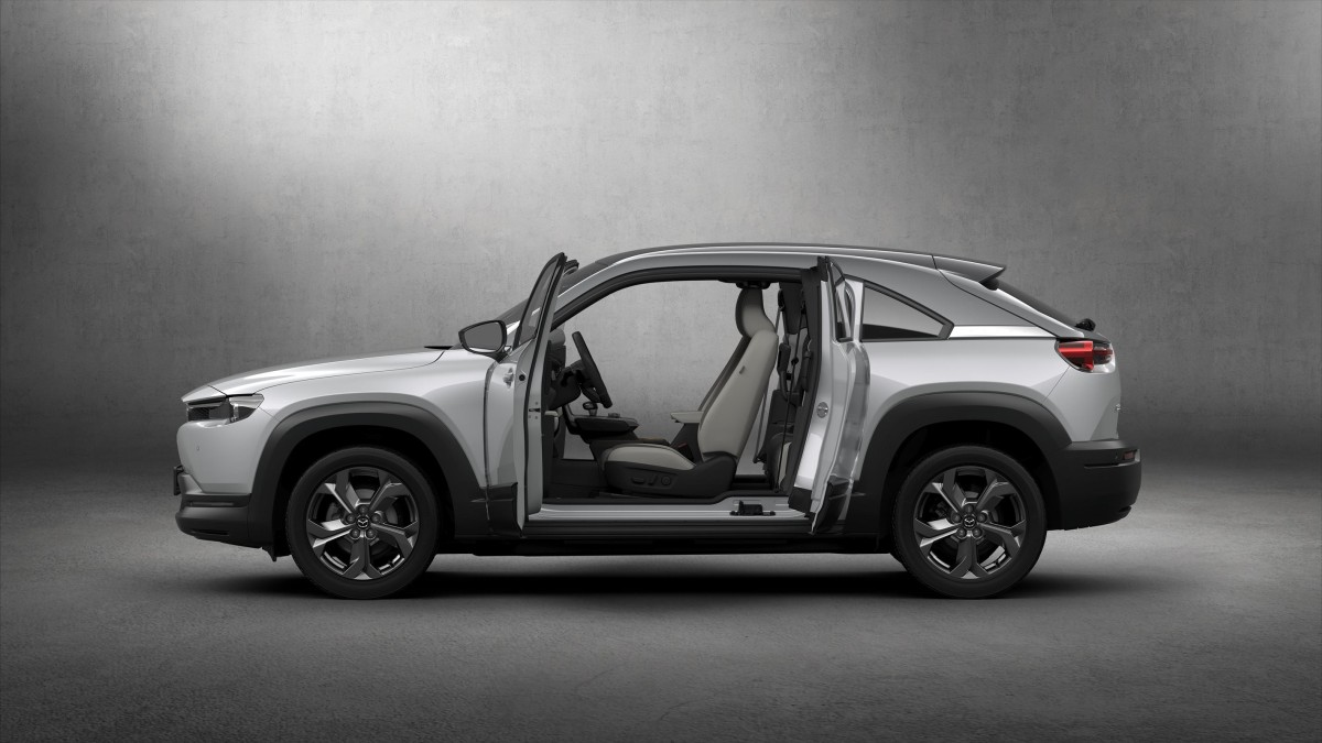Za 100 godina: potpuno električna Mazda MX-30 s posebnim stražnjim vratima