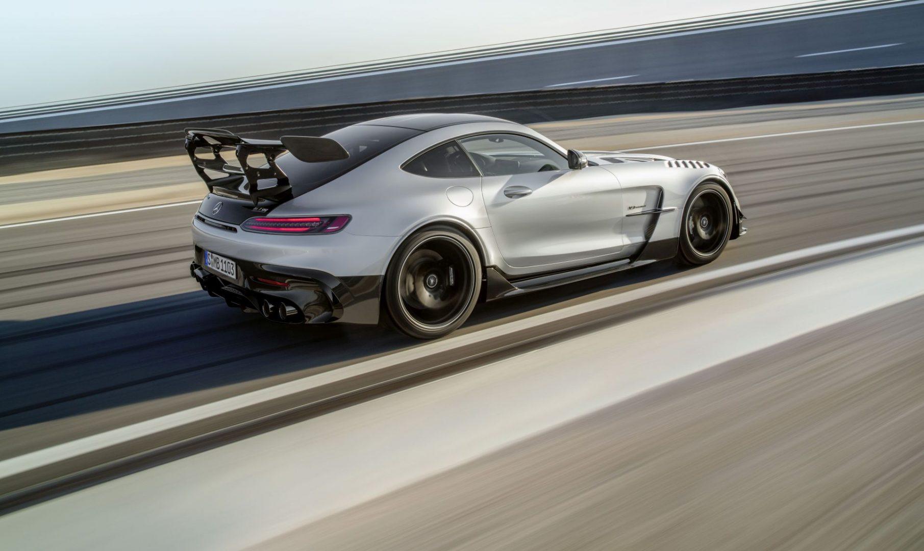 Predstavljen je 730 KS snažan Mercedes-AMG GT Black Series