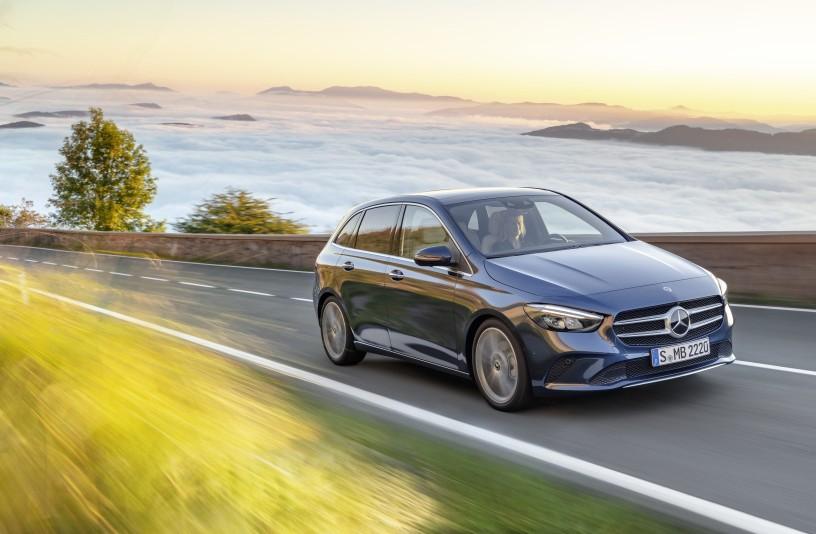 Mercedes startao s dvoznamenkastim rastom