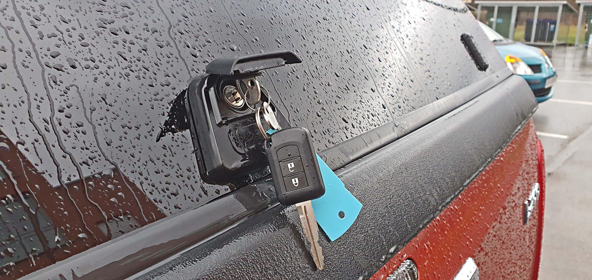 Hard top Premium krov s pop-up prozorima omogućava zaključavanje, ali i zaštitu od vremenskih nepogoda