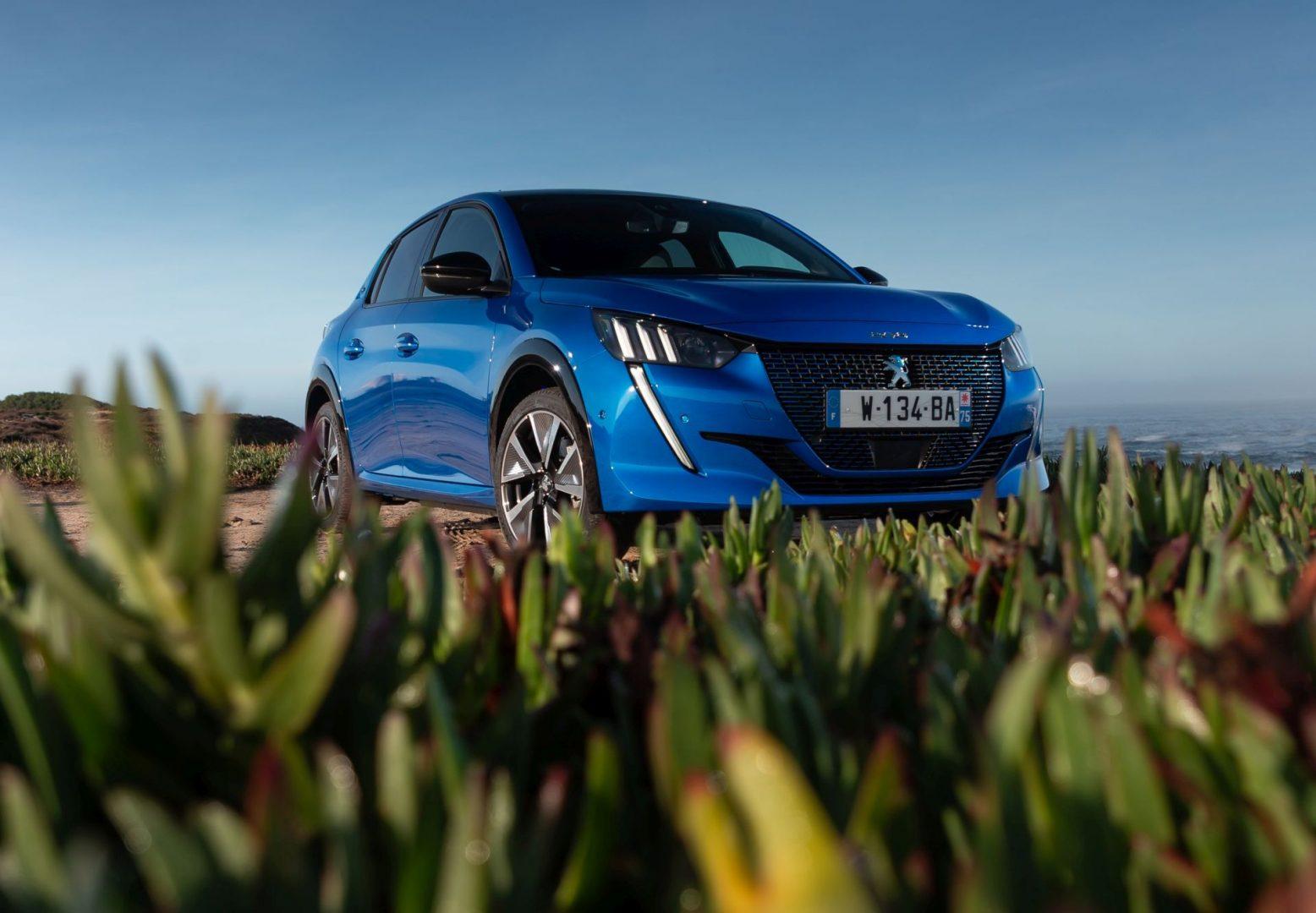 "Novi Peugeot 208 okruno se titulom ""Car of the Year 2020"""