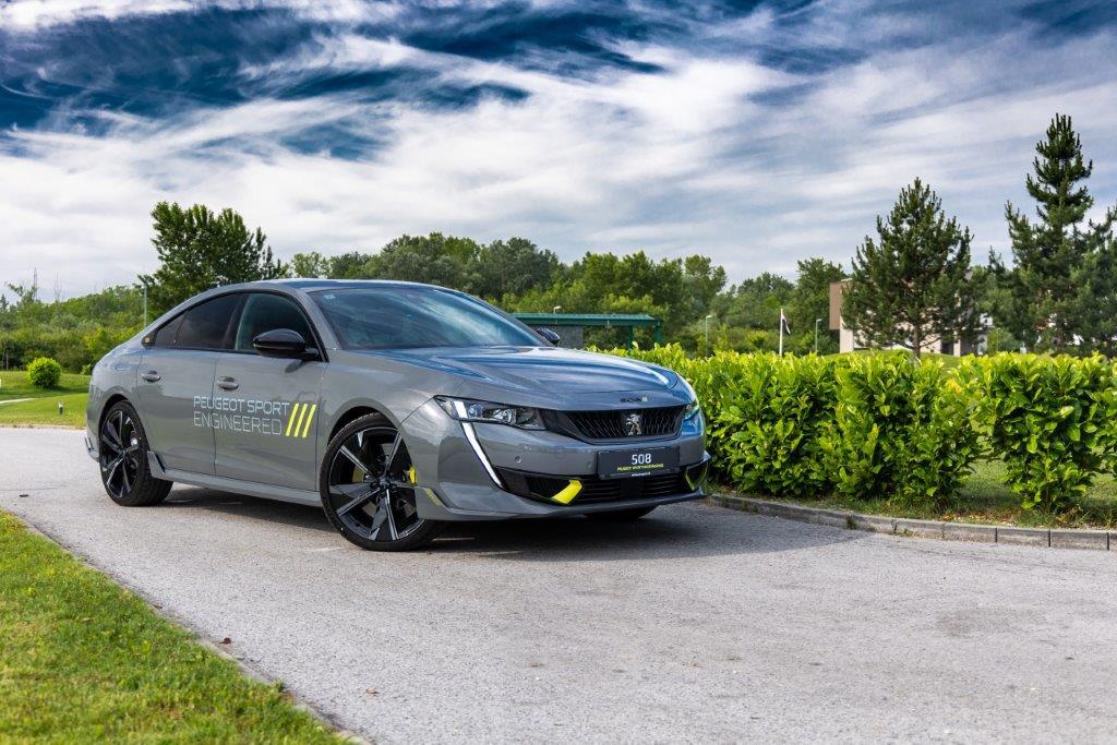Peugeot predstavio LEV liniju koja se sastoji od plug-in hibridnih i električnih modela