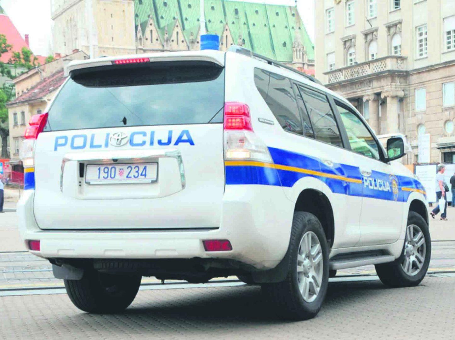Policija i parkiranje