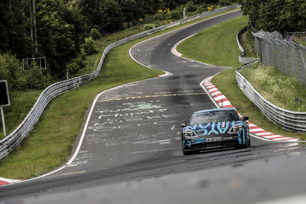 Novi rekord: Porsche Taycan