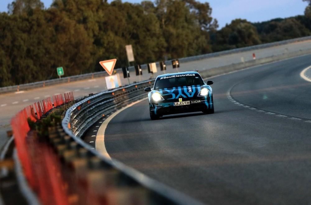 Porsche Taycan za 24 sata prevalio 3425 kilometara