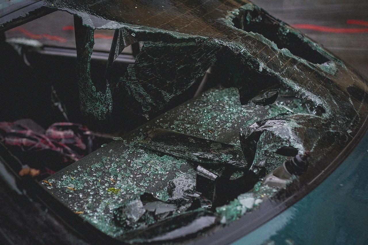 U 8 nesreća poginulo 12 osoba, glavni uzrok stradavanja je velika brzina