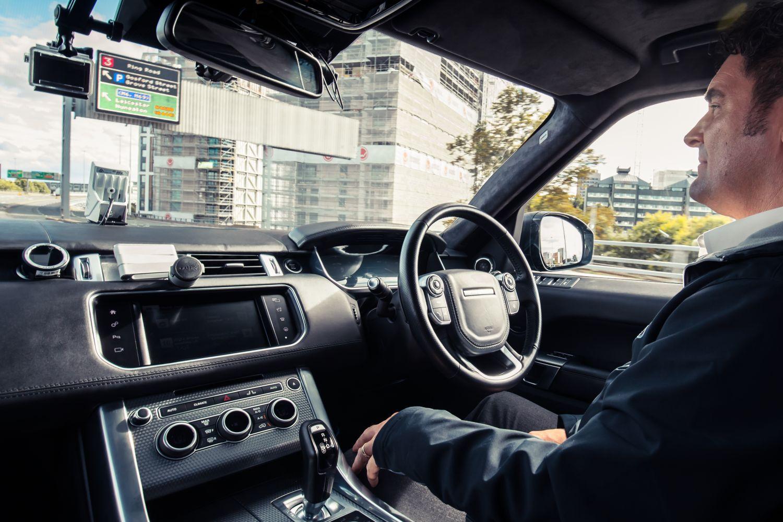 Prva autonomna vožnja s Range Roverom