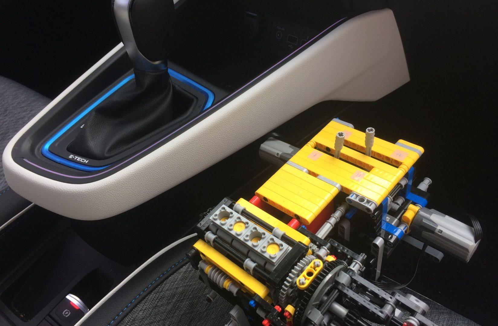 Renault E-Tech: Od Lego modela do hibridne inovacije