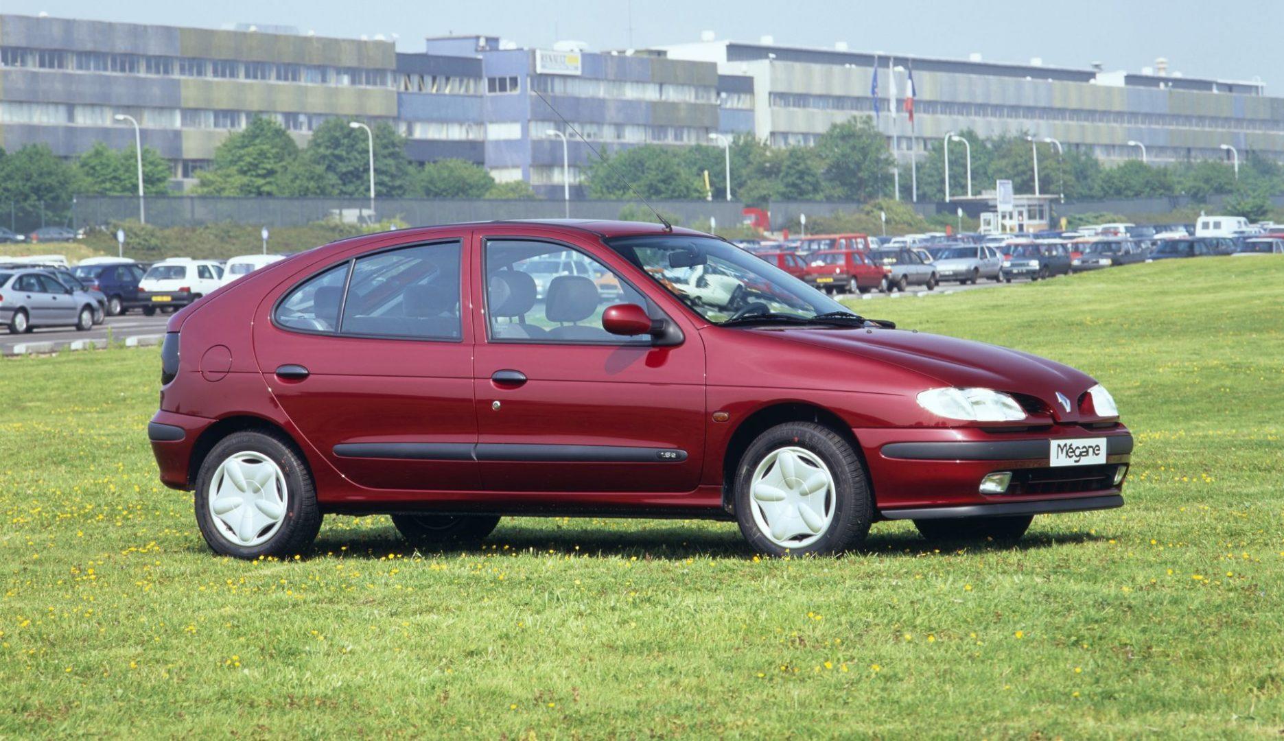 Renault Megane, 1, generacija