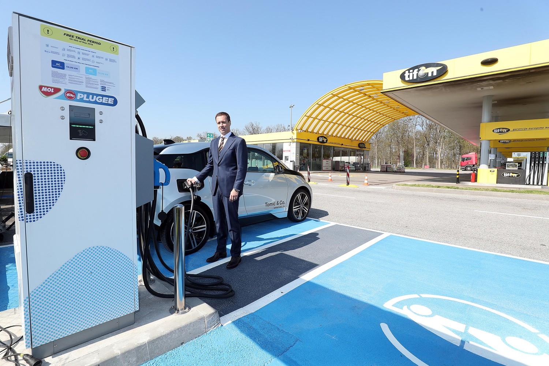 Povijesni trenutak: u Draganiću je otvorena prva brza punionica za električna vozila
