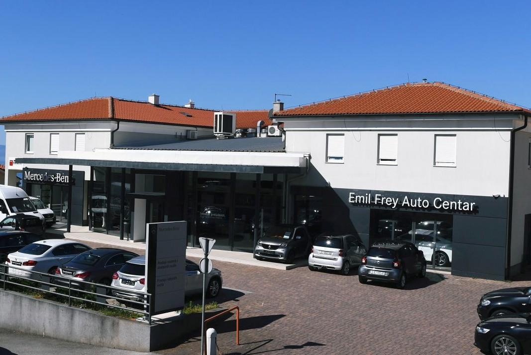 Spojili se maloprodajni centri Citroena i Mercedes-Benza