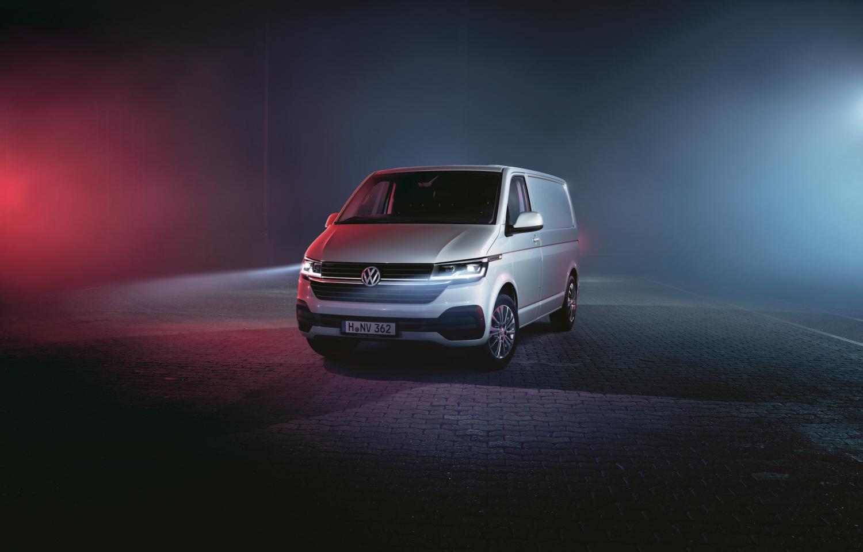 Volkswagen Transporter 6.1 kao kombi i kao pick-up s dvostrukom kabinom
