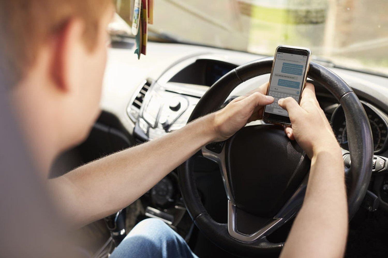 Ostavite mobitel dok upravljate vozilom