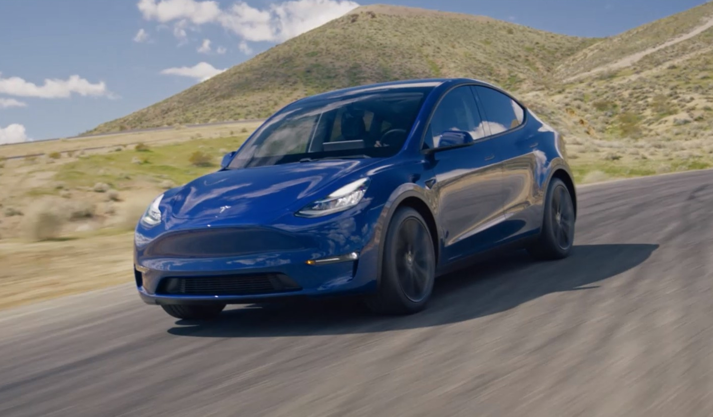 Tesla Y je SUV koji na struju može prijeći 482 kilometra
