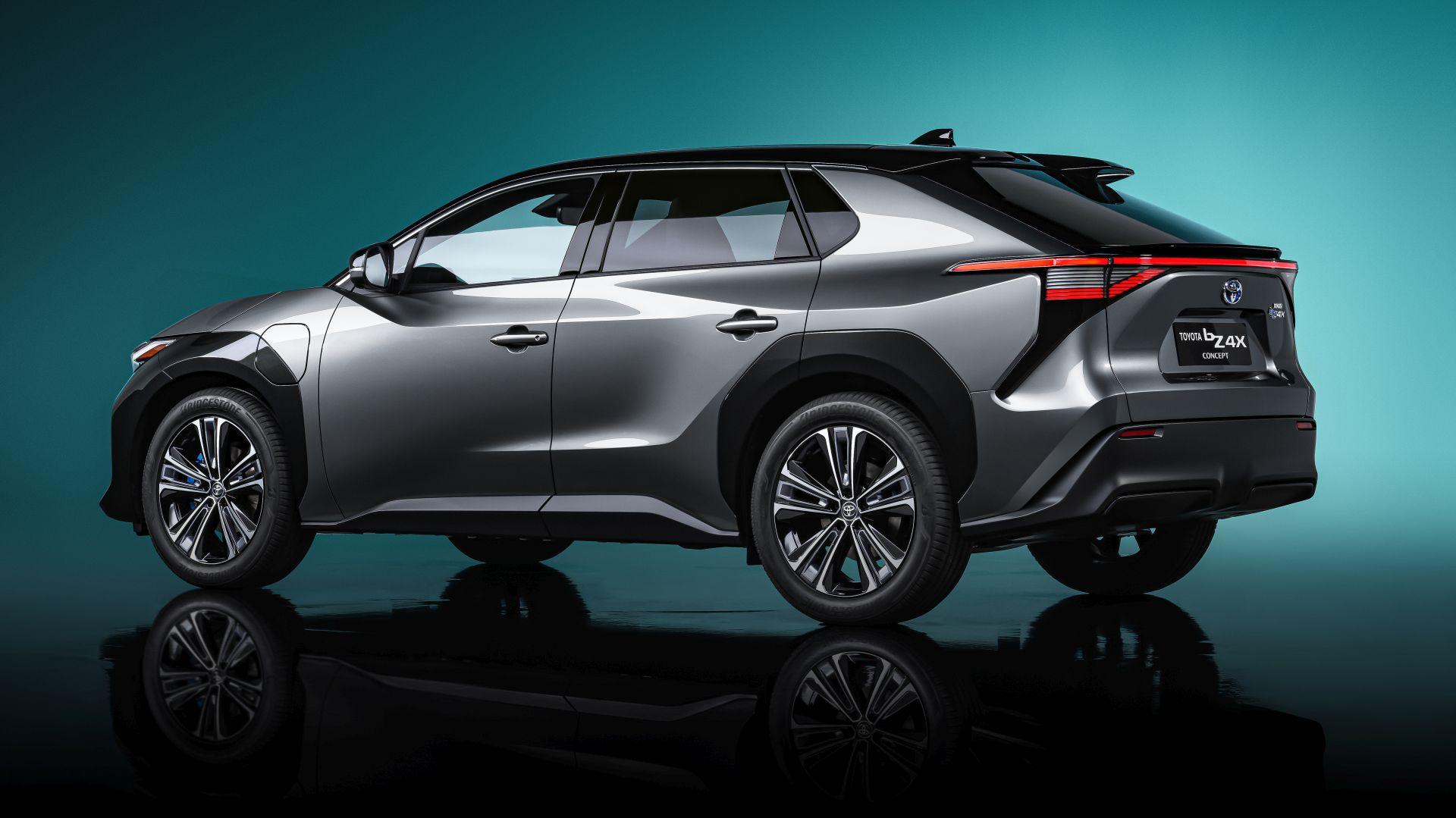 Toyota konceptom bZ4X najavljuje potpuno električne modele