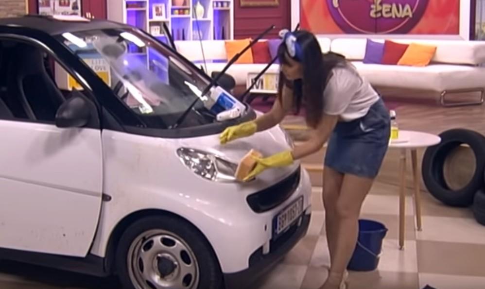 Trikovi za pranje automobila iz ženskog kuta