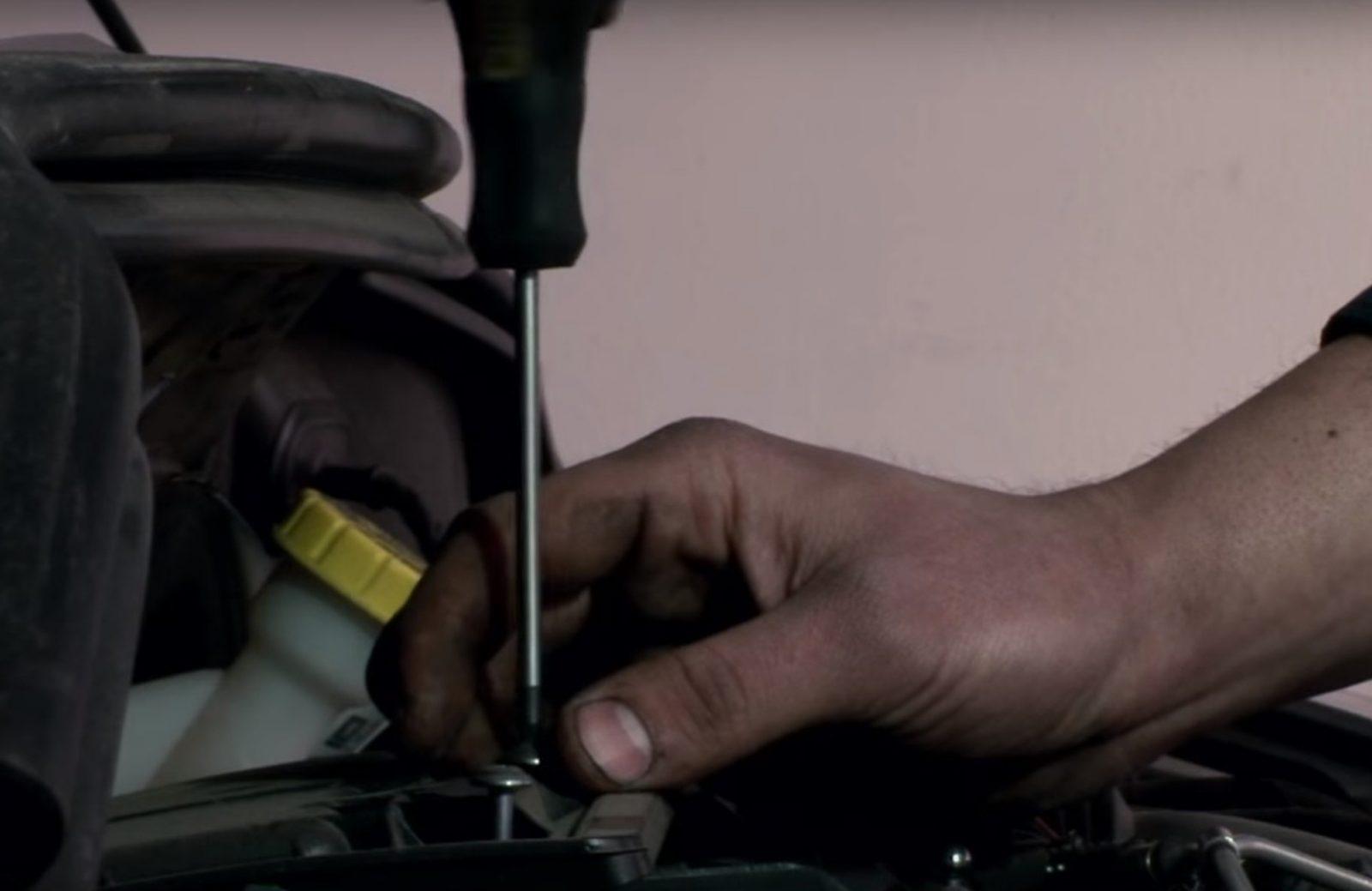 Zamjena filtera na Peugeot vozilima