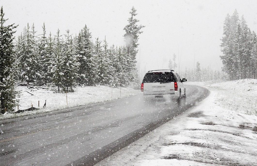 Na zimskim dionicama cesta je zimska oprema obavezna