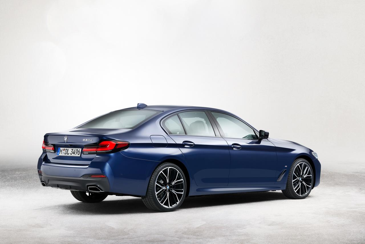 Ovo su prve dvije fotografije redizajnirane BMW serije 5 koja stiže ovu jesen