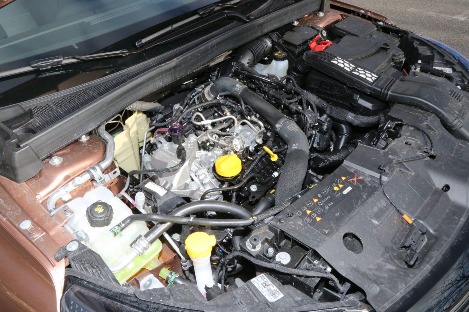 Četverocilindrični 1,3 litreni benzinac od 140 KS razvijen u suradnji s Mercedesom