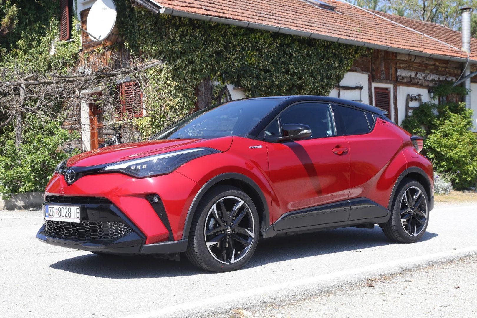 Dopadljiv kompaktni SUV sportskog izgleda